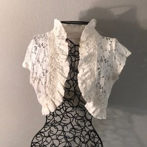 Rue 21 Lace Crop Top Short Sleeved Jacket